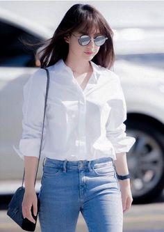 Kim Ji Won Korean Actresses, Asian Actors, Korean Actors, Casual Work Outfits, Work Casual, Cool Outfits, Suzy Bae Fashion, Kim Ji Won, Decendants
