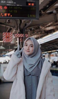 Beautiful Hijab Girl, Beautiful Muslim Women, Arab Girls Hijab, Muslim Girls, Casual Hijab Outfit, Hijab Chic, Hijabi Girl, Girl Hijab, Muslim Beauty