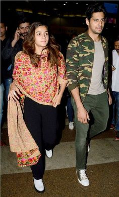 Jet, Set, Fly - Alia, Sid, Fawad up the Airport fashion quotient : MagnaMags Bollywood Couples, Bollywood Stars, Bollywood Celebrities, Bollywood Fashion, Bollywood Actress, Dress Indian Style, Indian Wear, Indian Designer Outfits, Indian Outfits