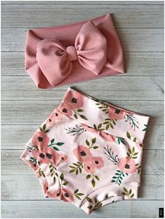 Floral Bummies and headwrap set Baby Girl Fashion Bummies Floral headwrap Set Cute Baby Girl Outfits, Cute Baby Clothes, Kids Outfits, Sewing Baby Clothes, Baby Clothes For Girls, Baby Kids Clothes, My Baby Girl, Baby Love, Baby Girl Fashion