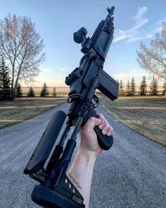 Arm&GunさんはInstagramを利用しています:「#ArmAndGun // Mk14 👊🏻 #sendit - 🔫 = Norinco m305 (M14/M1A) Sage EBR Chassis 💥{.308} - #2eh #molonlabe #m14 #m1a #mk14 #firearm #blackrifle…」 Weapons Guns, Guns And Ammo, Ar Rifle, Gundam Wallpapers, Battle Rifle, Bushcraft, Military Camouflage, Shooting Guns, Cool Guns