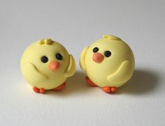 60 beauty and easy polymer clay ideas for beginners kawaii Sculpey Clay, Easy Polymer Clay, Polymer Clay Kunst, Polymer Clay Figures, Polymer Clay Animals, Polymer Clay Projects, Polymer Clay Charms, Polymer Clay Creations, Clay Crafts