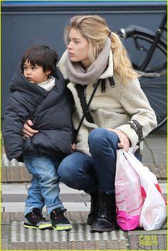 Doutzen Kroes with her son www.cowboybilly.nl De webshop met kleding speciaal voor jongens van 0-4 jaar!