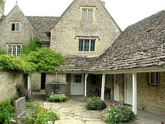 Kelmscott Manor by Rictor Norton & David Allen