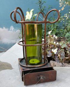 Fanal de hierro y vidrio reciclado.