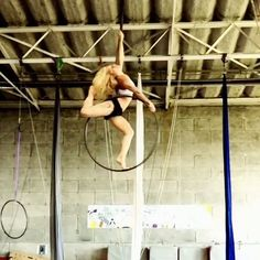 Tag friends who should try this sequence on aerial hoop! ✨Beautiful aerial dance from French aerialist @cecile_magdeleine who is currently performing for Dragone in the Lido (Paris)✨ To share your talents with circus artists throughout the world, follow and hashtag photos/videos #circusartistcirque and list your country. Accounts can't be private!