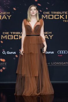 Willow Shields Lookbook: Willow Shields wearing Marni Evening Dress (9 of 21). Willow Shields exuded a gothic-romantic aura in a tiered brown gown with a black underlay at the 'Hunger Games: Mockingjay - Part 2' world premiere.
