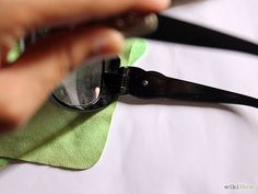 Spot Fake Gucci Sunglasses Step 4.jpg