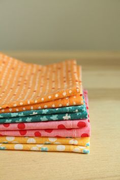 lovely lunchbox napkins, quick and easy.  Why didn't I think to take a cloth napkin a long time ago? eco friendly