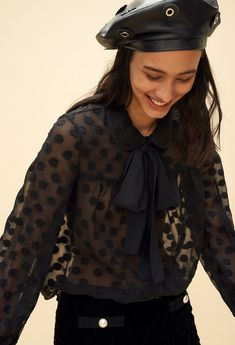 Discover the tops and shirts (printed shirt, Peter Pan collar top, etc.) from the Claudie Pierlot Spring-Summer 2018 Collection, available on the official online store. Bow Blouse, Ruffle Blouse, Peter Pan Collar Top, Western Tops, Going Out Tops, Fashion Wear, What To Wear, Leather Jacket, Style Inspiration