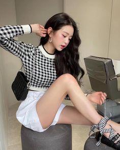 Ulzzang, Yu Jin, Japanese Girl Group, Miuccia Prada, Yoona, Girl Photos, Kpop Girls, Miu Miu, Korean Girl