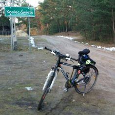 Rowerem na Koniec Świata. Miejscowość w województwie wielkopolskim na pograniczu z województwem łódzkim.