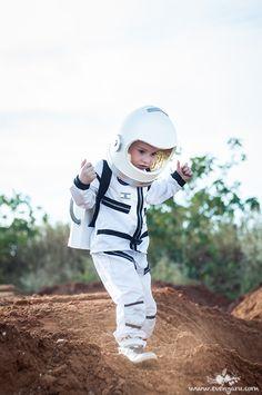 DIY Astronaute costume                                                       …