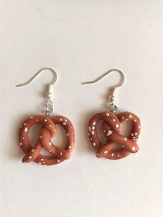 Diy Clay Earrings, Funky Earrings, How To Make Earrings, Earrings Handmade, Dangle Earrings, Diamond Earrings, Polymer Clay Charms, Polymer Clay Jewelry, Keramik Design