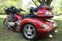 Honda Goldwing GL1800 TRIKE Rouge B