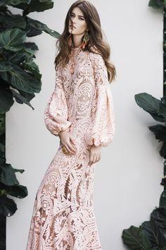 Johanna Ortiz Spring 2016 Ready-to-Wear Modest Fashion Hijab, Fashion Dresses, All Fashion, Runway Fashion, Style Fashion, Lace Dress, Dress Up, Merian, Beautiful Dresses