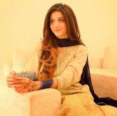 me looking cute Pakistani Models, Pakistani Actress, Pakistani Girl, Pakistani Wedding Dresses, Bridal Dresses, Pakistani Culture, Actress Pics, Girls Dpz, Celebs