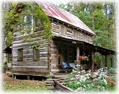 little log cabin in the woods.I could be so happy in this house! Love a hewn log house! Log Cabin Living, Log Cabin Homes, Old Cabins, Cabins And Cottages, Rustic Cabins, Rustic Houses, Little Log Cabin, Cabin In The Woods, Cozy Cabin
