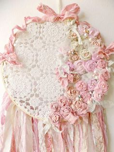 Shabby Pink Dream Catcher Rustic Woodland by ProvencalMarket Cottage Shabby Chic, Shabby Chic Homes, Shabby Chic Decor, Rustic Decor, Country Decor, Handmade Home Decor, Vintage Home Decor, Vintage Glam, Country Interior Design