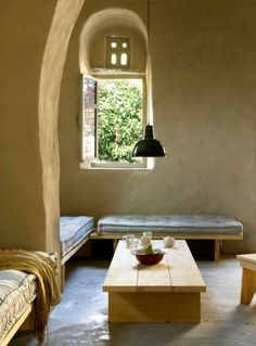 100 year-old stone house has been masterfully restored respecting the vernacular architecture of the Cyclades Islands.