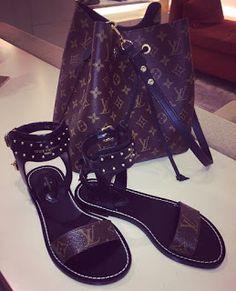30 gorgeus bags shoes combine - Fashion and Travel Blogger Dior Handbags, Louis Vuitton Handbags, Fashion Bags, Fashion Shoes, Louis Vuitton Sneakers, Best Designer Bags, Chanel Purse, Replica Handbags, Luxury Bags