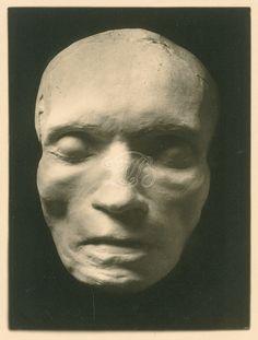 Totenmaske Ludwig van Beethovens - Fotografie von Karl Steinle nach einem Gipsabguß der von Josef Danhauser angefertigten Maske | Beethoven-Haus Bonn, B 422