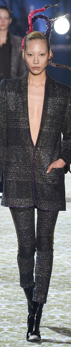 Haider Ackermann Collection Fall/2016 RTW Haider Ackermann, Jacquard Weave, Fall 2016, Beauty Women, Wetsuit, Winter Fashion, Fall Winter, Cover Up, Chic
