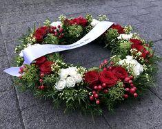 Grafstuk met franse toets Funeral Flowers, Floral Wreath, Wreaths, Decor, Floral Crown, Decoration, Door Wreaths, Deco Mesh Wreaths, Decorating