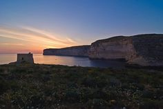 Just right after sunset - a calm and peaceful evening next to the coastal tower of Xlendi bay ⛵️#gozo#VisitGozo #malta #sunset #travelblog #destination #sea #beautiful #beautifuldestinations #view #bestoftheday #landscape #cliffs #coast #photooftheday #instamood #instatravel #inspiration #tower #cliffs #wanderlust #adventure #skyline #eyecandy #enjoy