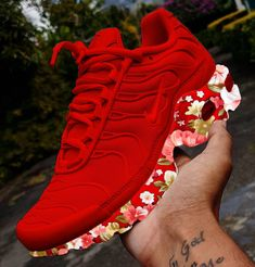 Damesschoenen PumpsHeathrow TX SE Sneakers blackDamesschoenen Made by SARENZA Winter Ski ladies shoes made of PU with flat heel and lace-up Jordan Shoes Girls, Girls Shoes, Sneakers Fashion Outfits, Fashion Shoes, Fashion Models, Cute Sneakers, Shoes Sneakers, Crazy Shoes, Me Too Shoes