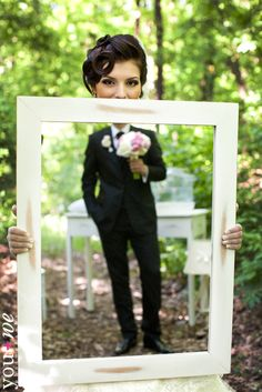 I like the idea of using a mirror to have the bride with the mother holding the mirror