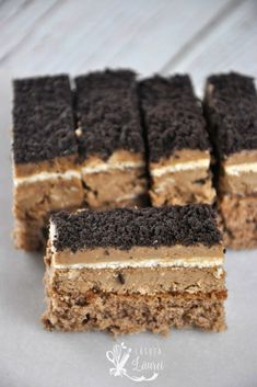 Prajitura Primarita, deliciu pentru maniacii cafelei, ca mine ~ Casuta Laurei Romanian Desserts, Romanian Food, Sweet Desserts, Sweet Recipes, Delicious Desserts, Oreo Dessert, Dessert Bars, Cookie Recipes, Snack Recipes
