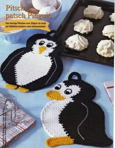 Sweet Penguin Potholders: charts, pattern not in English