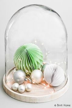 pop some pretty decorations in a glass dome Merry Christmas, Summer Christmas, Christmas Makes, All Things Christmas, Christmas Crafts, Beautiful Christmas, Diy Christmas Decorations, Xmas Colors, Modern Holiday Decor