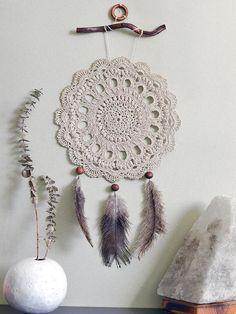 Mandala Au Crochet, Crochet Art, Crochet Home, Vintage Crochet, Crochet Doilies, Crochet Patterns, Crochet Style, Crochet Ideas, Bohemian Wedding Decorations