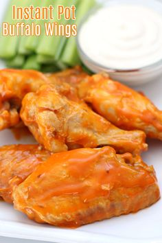 Yum yum! Easy and fast buffalo wings in the instant pot. So much flavor, low carb and gluten free. Best Instant Pot Recipe, Instant Pot Dinner Recipes, Pressure Cooker Recipes, Pressure Cooking, Easy Cooking, Slow Cooking, Clean Eating Desserts, Spicy Recipes, Free Recipes