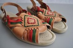 Vintage AZTEC Woven Leather Sandals by MariesVintage on Etsy ... Mexican  Style 69dafa33818ee
