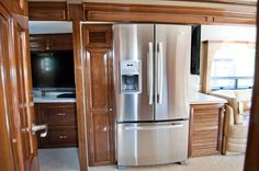 Cherry and stainless steel #win in the #Newmar Essex #RV