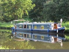 Wide Beam Houseboat Cruiser Stern