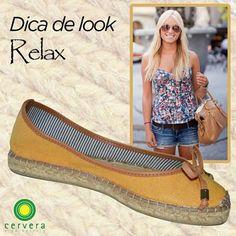 Shortinho jeans e alpargata é a combinação perfeita para compor um look relax, que pode ser usado no dia-a-dia.