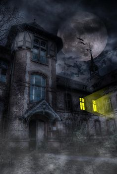 The creepy old house, with its otherworldly inhabitants. I visited to… Light Background Images, Night Background, Spooky Places, Haunted Places, Halloween Pictures, Halloween Art, Halloween Haunted Houses, Haunted House Pictures, Wattpad Background