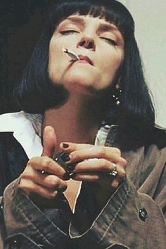 Uma Thurman in Pulp FictionYou can find Pulp fiction and more on our website.Uma Thurman in Pulp Fiction Mia Wallace, Uma Thurman Pulp Fiction, Tarantino Films, Quentin Tarantino, Pulp Fiction Costume, Pulp Fiction Kunst, Pulp Fiction Tattoo, Pulp Fiction Quotes, Films Cinema
