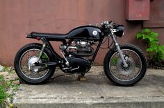 Cafe racer with a removable seat panel to allow a passenger!