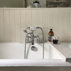 """181 Likes, 25 Comments - Lisa Valentine Home (@lisavalentinehome) on Instagram: """"Do you like my new bath rack in #quaycottage ? I'm saving up for the @thewhitecompany version but…"""""""