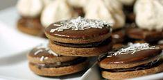 Makový kvet   Bonviváni Doughnut, Muffin, Food And Drink, Cookies, Breakfast, Cake, Basket, Kitchens, Crack Crackers