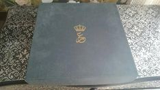 Jordan Royal Family, Royal Jordanian, Mary John, Head Of State, Presentation, My Etsy Shop, Plates, Antiques, Check