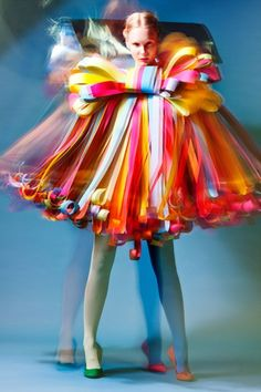 ℘ Paper Dress Prettiness ℘ art dress made of paper - 12 Shapes of Paper by Estonian Academy of Arts students Paper Fashion, Fashion Art, High Fashion, Fashion Design, Runway Fashion, Fashion Trends, Mode Boho, Recycled Fashion, Colorful Fashion