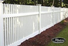 V700 Classic Victorian Picket with Straight Top in Illusions Classic Series White (C101). Choose from different style fences, picket caps, post caps, colors and wood grain to get the perfect fence.