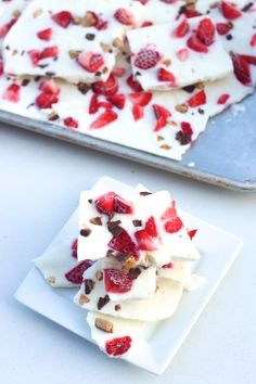 Probably switching whole milk for Almond milk Heathy Sweets, Healthy Treats, Dessert Simple, Summer Desserts, Easy Desserts, Healthy Frozen Yogurt, Decadent Food, Snack Recipes, Dessert Recipes