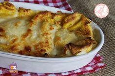 Le crepes ripiene al forno sono una ricetta fantastica per un piatto unico facile e gustosissimo da preparare in anticipo e servire a tutta la famiglia.